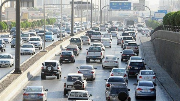 البوابة نيوز: بالفيديو.. انخفاض ملحوظ في معدلات الحركة المرورية على الطرق والمحاور