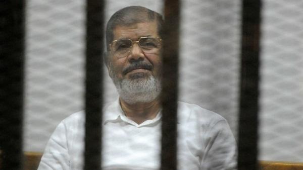البوابة نيوز: مفاجأة.. محمد مرسي وراء ضياع الأموال المهربة في بنوك أوروبا