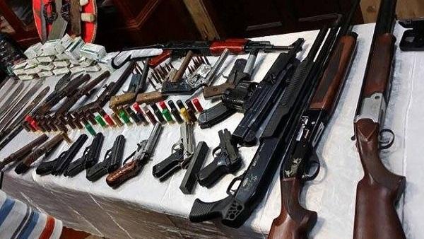 البوابة نيوز: ضبط مسجلي خطر بحوزتهما سلاح ناري ومواد مخدرة بالمنوفية