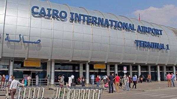 البوابة نيوز: مطار القاهرة يستقبل 24 مصريًا بعد ترحيلهم من السعودية