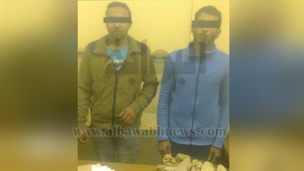 البوابة نيوز: ضبط عاطلين لاتجارهما في المخدرات بالتبين وبحوزتهما 2 كيلو بانجو