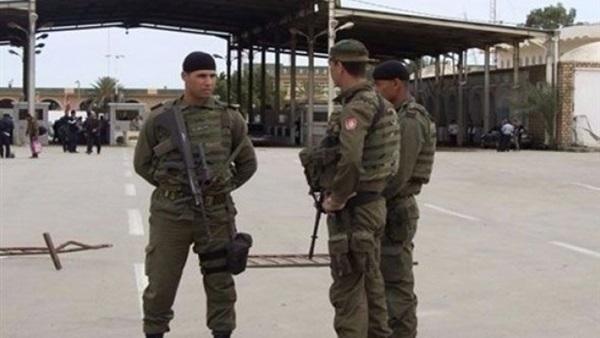 البوابة نيوز: تونس: معتصمون يطالبون بإلغاء ضريبة عبور تفرضها ليبيا