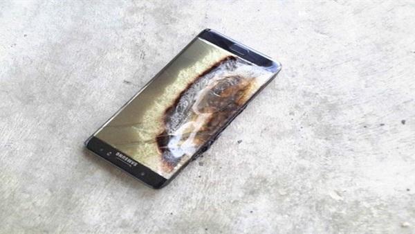 البوابة نيوز: سامسونج ترجع حوادث انفجار  نوت 7  لعيوب صناعة البطارية