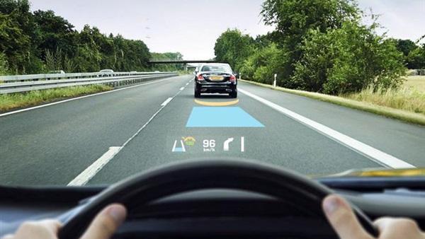 تقنية الواقع المعزز تغزو عالم السيارات