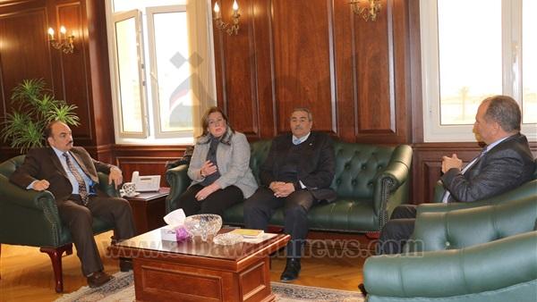 محافظ الإسكندرية يبحث تعزيز التنمية بالمنطقة التكنولوجية