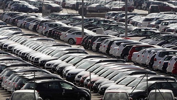 بكين تشجع أصحاب السيارات القديمة على استبدالها بـ