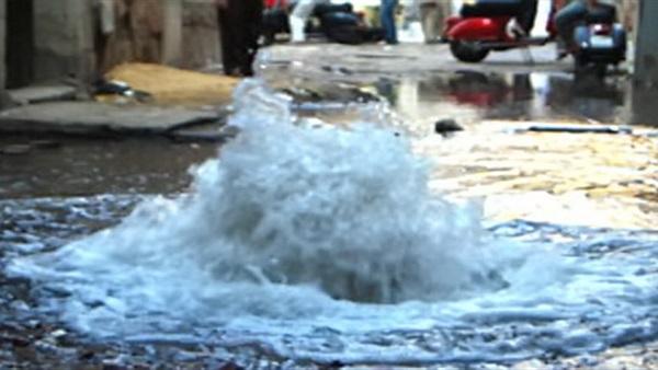 : شلل مروري في مساكن شيراتون لـ كسر ماسورة صرف صحي