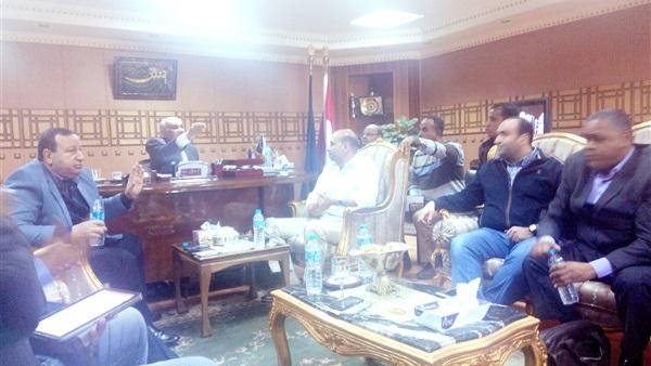: بالصور.. مدير أمن قنا يلتقي الصحفيين لبحث أزمة انتشار الشائعات