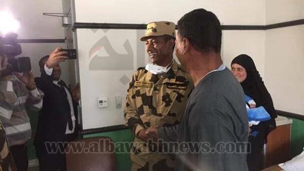 : بالصور.. محمد رمضان في زيارة لمستشفى  57357  بالزي العسكري