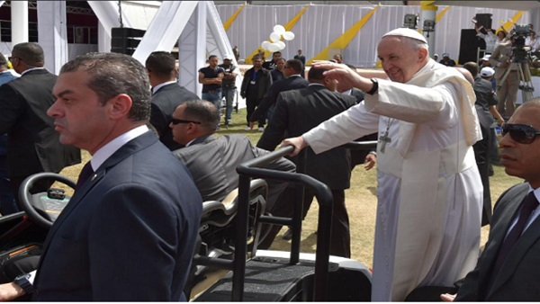 : هاشتاج  زيارة بابا الفاتيكان  الأكثر تداولًا على  تويتر