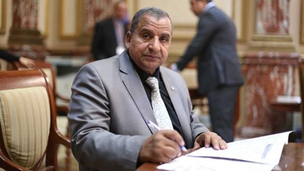 برلماني يتبرأ من تعيين نجله بشركة بترول ببلاغ للمحامي العام
