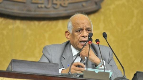 عبدالعال يفتتح الجلسة العامة لمناقشة قانون الاستثمار