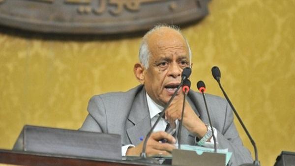 نواب يطالبون رئيس البرلمان برفع الجلسة.. وعبدالعال: أنتوا سهرانين معايا