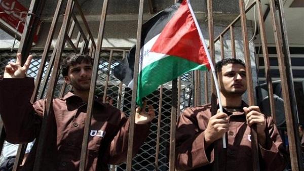 اليوم.. قوى سياسية تشارك الأسرى الفلسطينيين إضرابهم