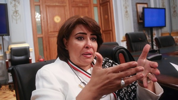 عجمي تكشف تفاصيل مقتل فتاة مصرية على يد مواطن ألماني متعصب