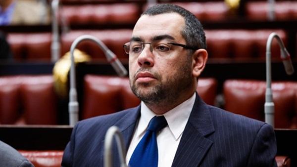برلماني: غياب الرقابة رفع سعر طابع التأمين الصحي لـ150 جنيهًا