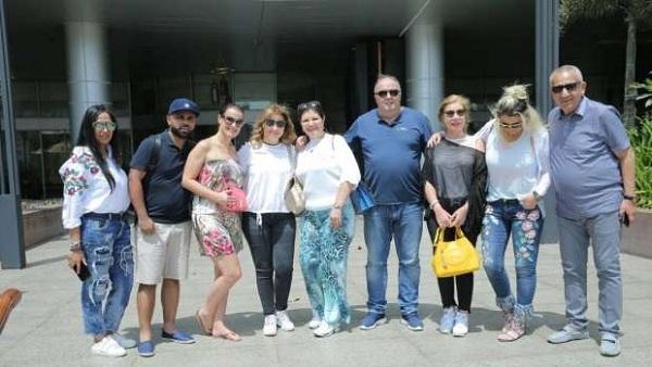 : أسرة كريستيانو رونالدو تغادر مطار القاهرة متجهة إلى إسبانيا