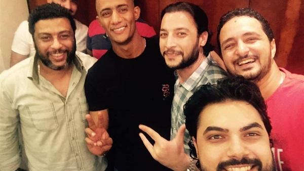: محمد رمضان يحتفل مع فريق  لا سحر ولا شعوذة