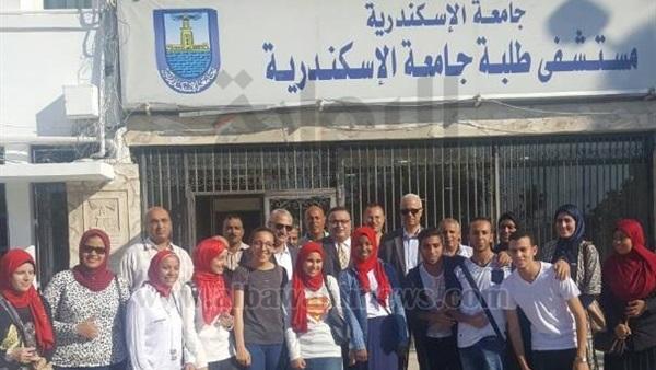 : رئيس جامعة الإسكندرية يتفقد مستشفى الطلبة