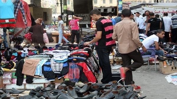 : شوارع العاصمة فى قبضة الباعة الجائلين