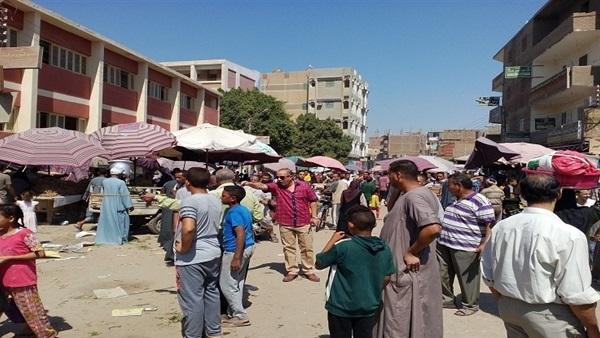 : حملة لإخلاء سوق أبنوب القديم من الباعة الجائلين