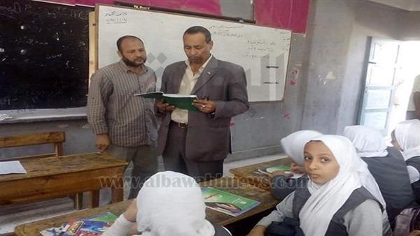 : بالصور.. جولات مفاجئة لمدير إدارة الصف التعليمية لمتابعة المدارس