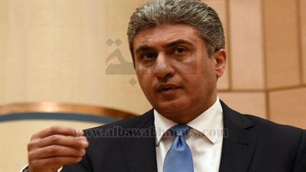 : وزير الطيران يغادر القاهرة للمشاركة في معرض دبي