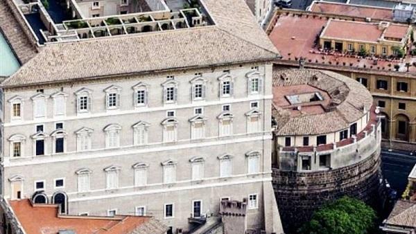 : إقالة نائب المدير العام لبنك الفاتيكان من منصبه