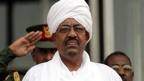 :  البشير  يعود إلى السودان بعد مشاركته في احتفالات العيد الوطني لتشاد