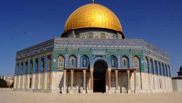 :  القدس عربية  هاشتاج يشعل  تويتر