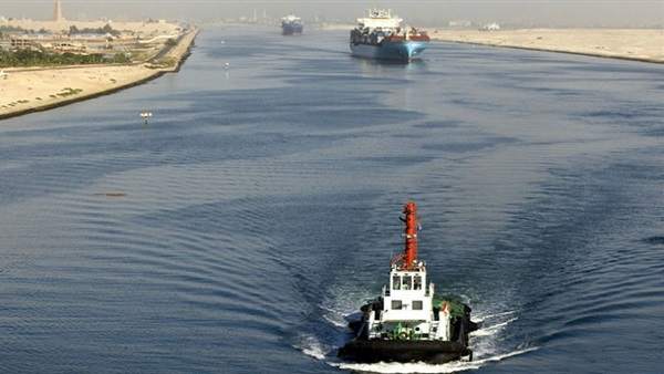 : 53 سفينة تعبر قناة السويس اليوم