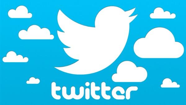 : هاشتاج  عادل إمام  يتصدر  تويتر