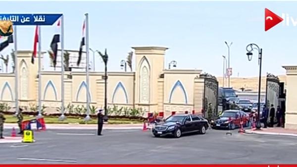 : بالفيديو.. وصول السيسي إلى مقر المؤتمر الدولي للبترول