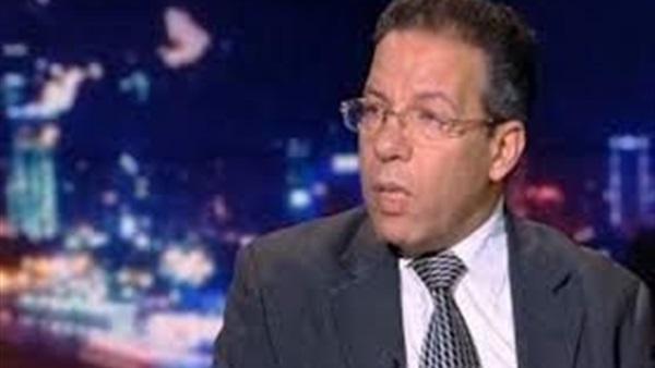 : وكيل النقابة العامة لأطباء مصر ينفي إلغاء المعاشات