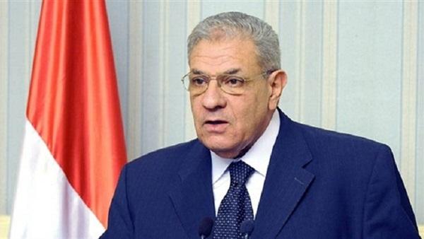 :  محلب  ووزير النقل ومستشار الرئيس يتفقدون حلقة الوصل بين القاهرة والمحافظات