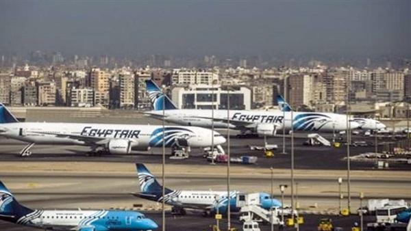 : وفاة راكبة قبل هبوط طائراتها بمطار القاهرة