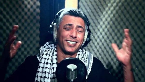 : عمر عبد اللات: الغناء للجيش المصري شرف