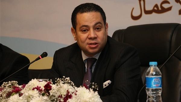 : وزير قطاع الأعمال:  القومية الأسمنت  لا يتوافق مع البيئة