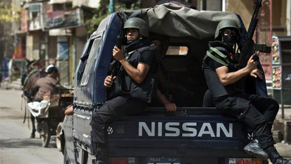 : ضبط 39 متهما بحوزتهم مخدرات وأسلحة بالجيزة