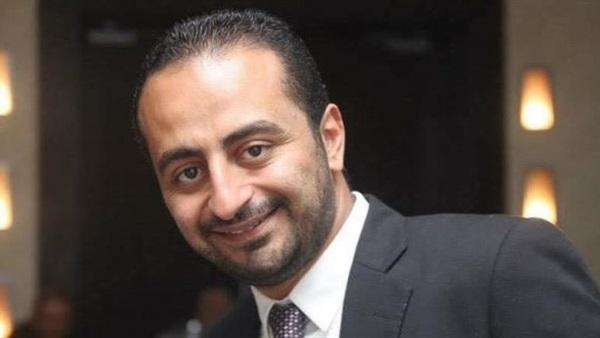 : جثمان المخرج روبير طلعت يصل مطار القاهرة قادمًا من تركيا