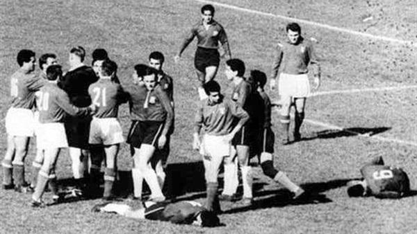 :  حكاية معركة سانتياجو المباراة الأغبى في تاريخ المحفل العالمي