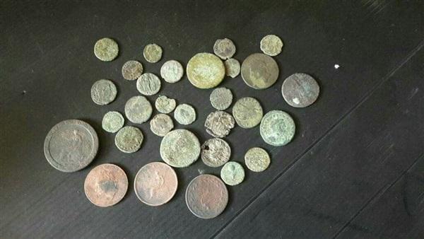 : إحباط محاولة تهريب 30 عملة معدنية أثرية بميناء الاسكندرية