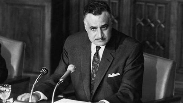 : 9 يونيو 1967..  ناصر  يلقي بيان التنحي