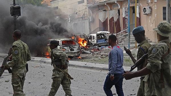 : أمريكا تتعهد بمواصلة الحرب على  الشباب  و داعش  بالصومال