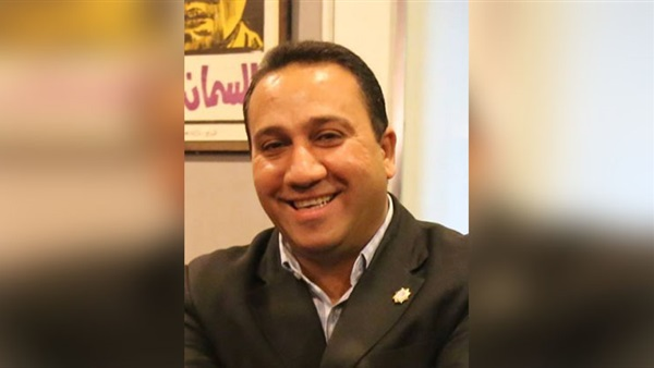 : رامي عطا يفوز بـ التشجيعية  عن كتاب  مسلم ولا مسيحي