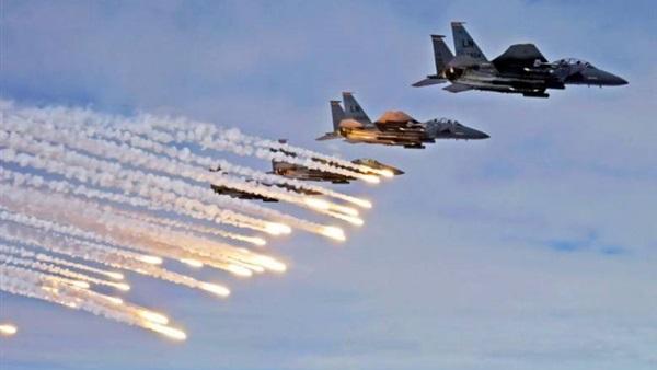 : طائرات الاحتلال تستهدف مطلقي البالونات المشتعلة على حدود غزة