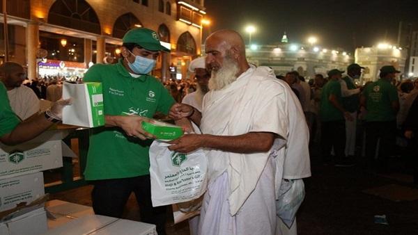 :  هدية المدينة المنورة  يوزع 10 آلاف هدية على الزوار والمعتمرين