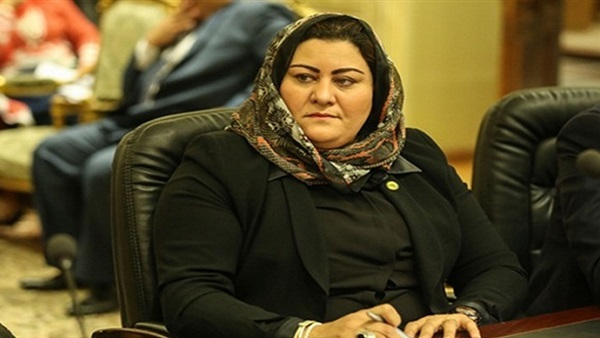 :  صقر  تنهي خلافًا بين نقابة الأطباء وأسرة مريضة بدمياط