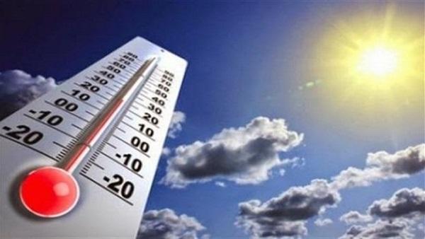 : الأرصاد: انخفاض طفيف في درجات الحرارة غدًا.. والعظمى بالقاهرة 35