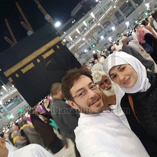 أحمد زاهر يعود إلى القاهرة بعد أداء العمرة